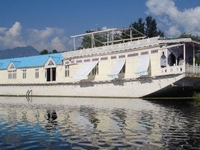 Majestic Group of Houseboats