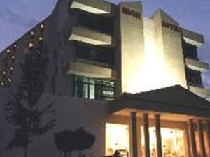 Petra Edom Hotel