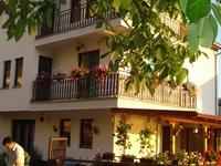 Ristos Guesthouse