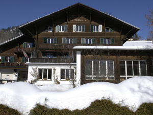 Saanen-Gstaad Youth Hostel