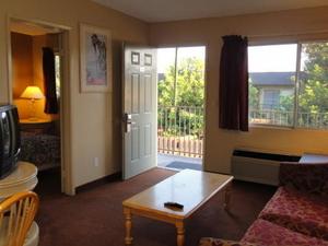 Traveler Inn & Suites San Diego
