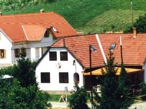 Zölderdõ Panzió Guesthouse