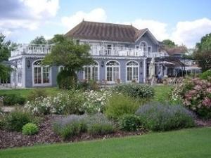 Etiolles Country Club