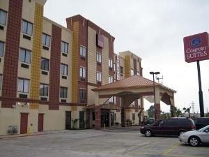 Amerik Suites-Behind Mall Del Norte