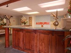 Auburn Days Inn and Suites