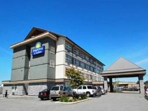 Days Inn Suites Langley