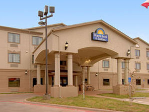 Days Inn Suites Wichita Falls