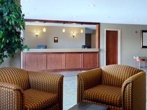 Days Inn & Suites - Cochrane