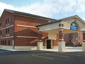 Days Inn and Suites Jeffersonville