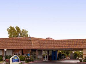 Days Inn & Suites Palmdale / Lancaster