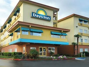Days Inn and Suites - Rancho Cordova