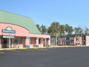 Days Inn Fayetteville/Wade-North of Ft Bragg