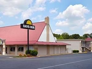 Days Inn Lumberton Outlet Mall