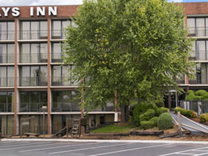 Days Inn at River Ridge Mall