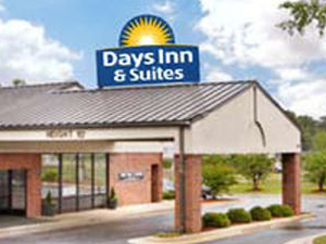 Days Inn Rocky Mount-Golden East