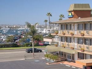 Days Inn - Harbor View