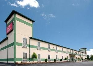 Econo Lodge & Suites Granite City