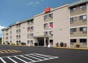Econo Lodge Inn & Suites Bangor