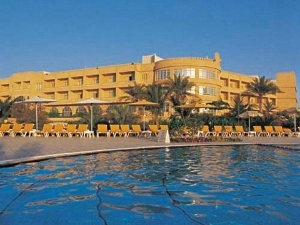 Al Hamra Fort Beach Resort
