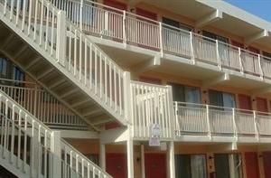 Seaside Sands Inn