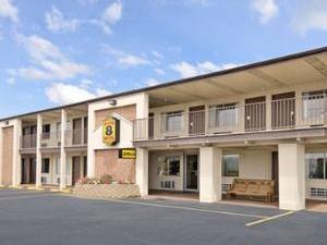 The Super Buckeye Lake Inn