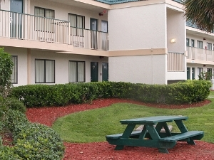 Parkside Inn & Suites – Kissimmee