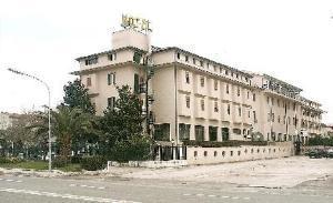 La Serenella Airport Hotel