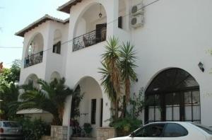 Partheniou Apartments Studios