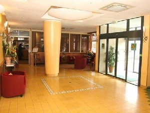 Quality Inn Paris La Defense N