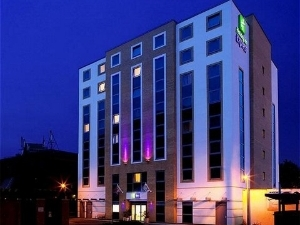 Holiday Inn Exp Watford Juncti