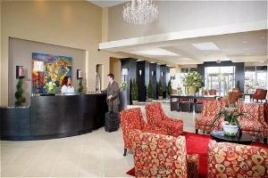 Holiday Inn & Suites Jordan Creek