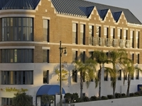 Holiday Inn Exp Century City