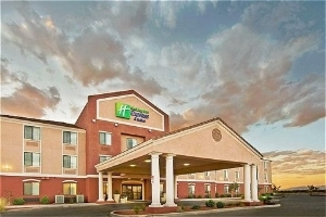 Holiday Inn Express & Suites Willcox