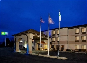 Holiday Inn Express and Suites Saint Clairsville