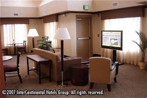 Holiday Inn Express & Suites South Minot
