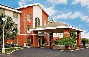 Holiday Inn Express Weslaco