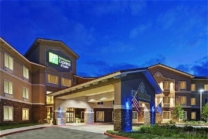 Holiday Inn Express Hotel and Suites Beaumont