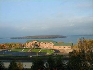 Holiday Inn Express Munising-Lakeview