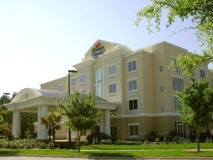 Holiday Express and Suites Fairmont