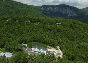 Hampton Inn & Suites Cashiers Sapphire Valley