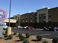 Hampton Inn Suites Manchester