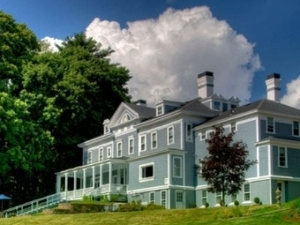 Kemble Inn Bed & Breakfast