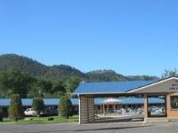 Budget Host Hills Inn