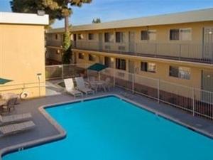 Traveler Inn & Suites San Diego South Bay