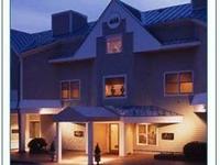 The Breakwater Inn And Spa