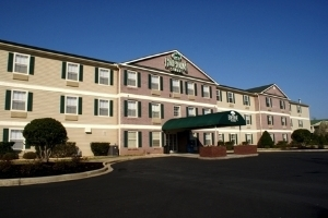 Home-Towne Suites Anderson