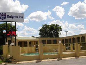 Knights Inn - San Marcos