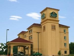 La Quinta Inn & Suites Corsicana