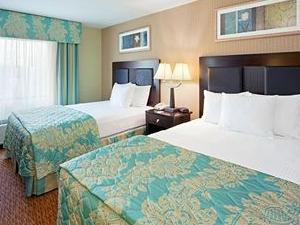 La Quinta Inn & Suites West Long Branch
