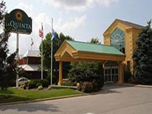 La Quinta Inn & Suites Appleton-College Avenue